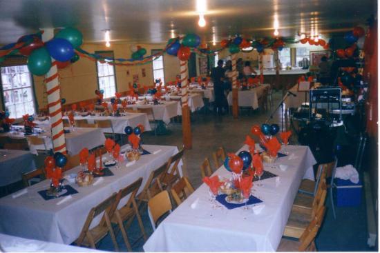 Salle  pour environ 80 personnes